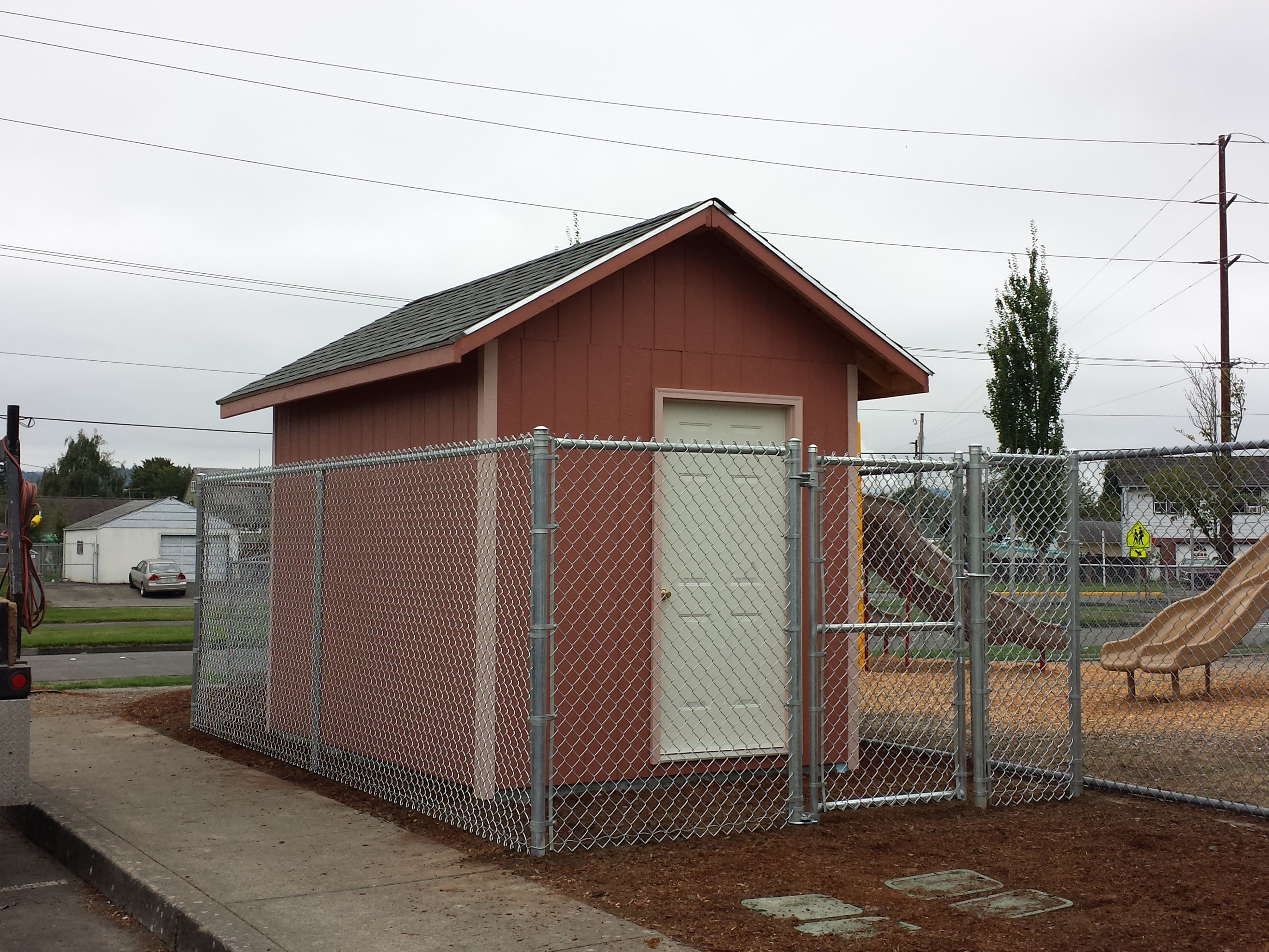 Commercial 6ft chain link enclosure