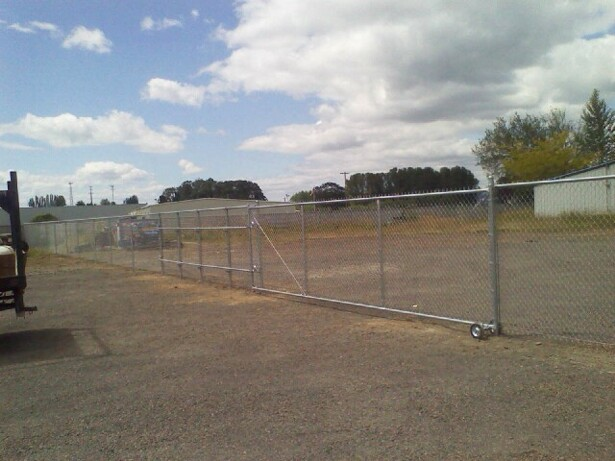 Commercial 6ft chain link roll gate