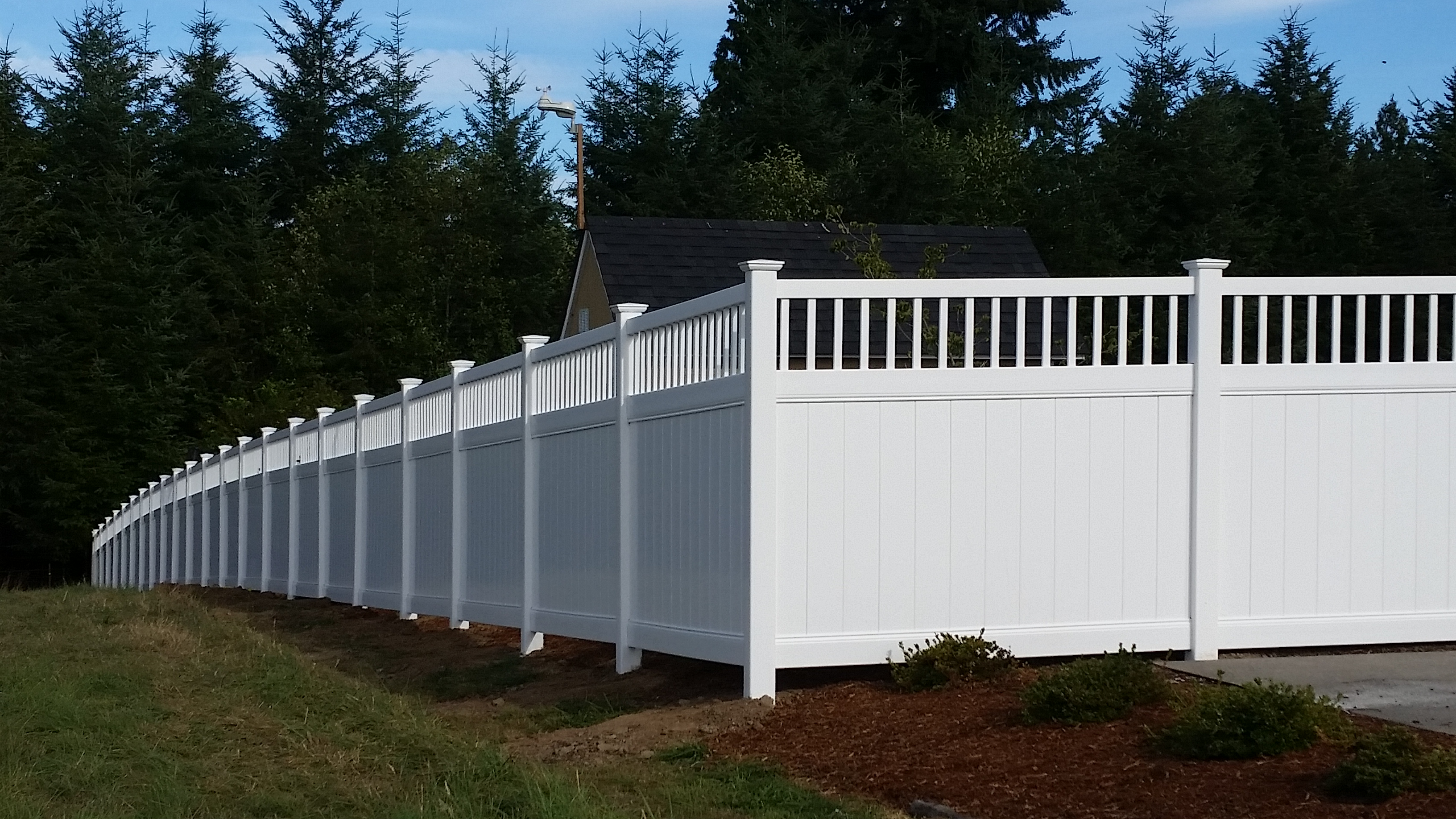 Residential fencing gate installations portland or seattle residential 6ft privacy vinyl baanklon Gallery